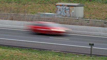 Geldboete voor bestuurder die tegen 210 kilometer per uur over E34 scheurt