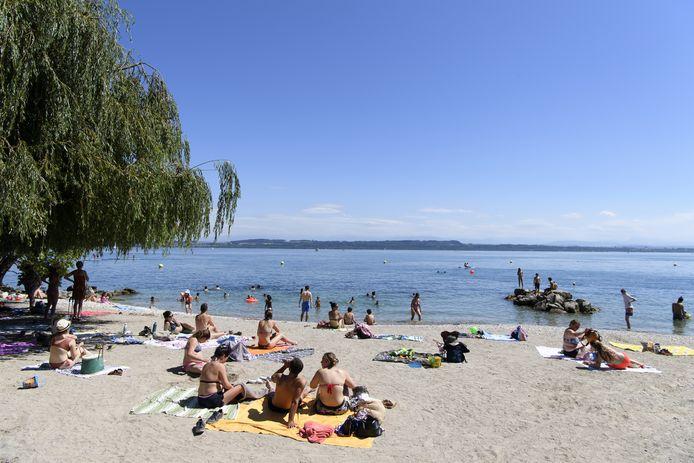 Le lac de Neuchâtel, canton de Vaud (Suisse)