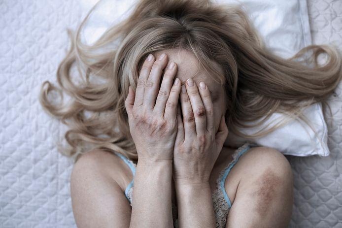 Toen een jarenlang mishandelde vrouw zei dat ze wilde scheiden, werd ze door haar echtgenoot urenlang op martelende wijze verkracht.