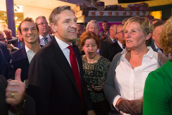 Sybrand van Haersma Buma, CDA-fractievoorzitter in de Tweede Kamer, kwam persoonlijk poolshoogte nemen bij de verkiezingsavond in Schijndel.