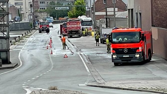 Vrachtwagen zorgt voor mazoutspoor tussen Bruanebrug en kop van vaart
