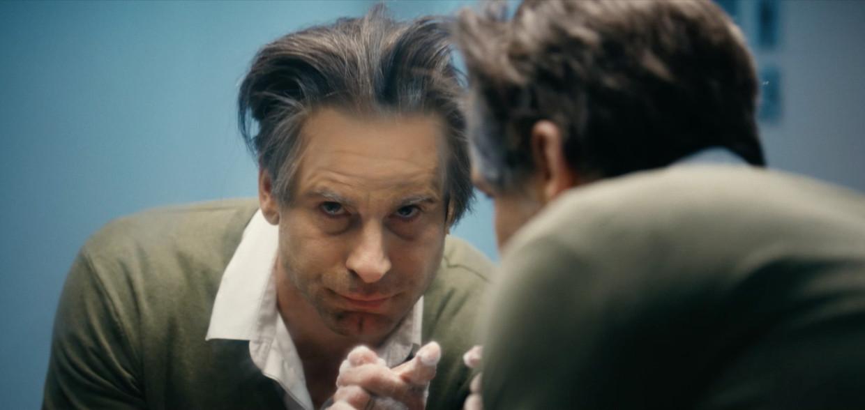 Kevin Janssens als Marc Van Ranst Beeld Humo