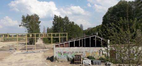 Tilburg aan zijlijn bij woontoren Spoorpark