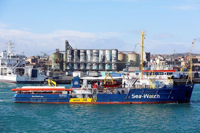 De Sea Watch 3 op 31 januari in de Italiaanse havenstad Catania.  Beeld Reuters