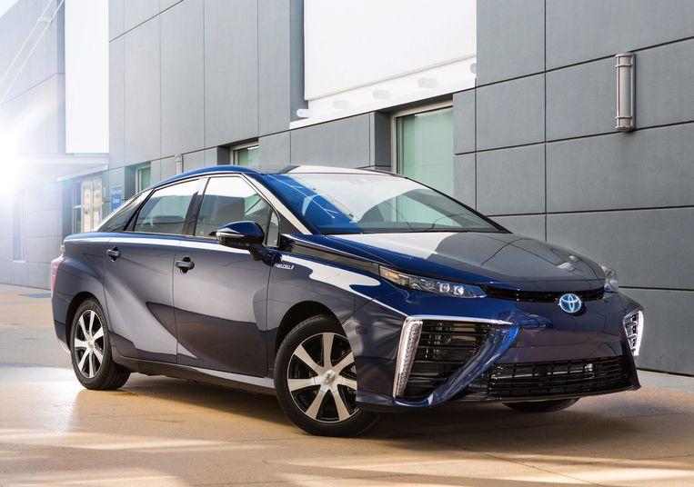 Toyota hoopt rond 2025 van elk model ook een elektrische variant aan te kunnen bieden, zij het volledig elektrisch, hybride of voorzien van een brandstrofcel, zoals deze Mirai.