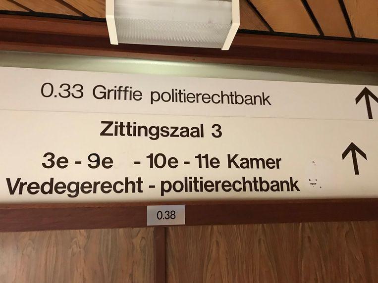 De vrouw kreeg in de politierechtbank een verkeerscursus.