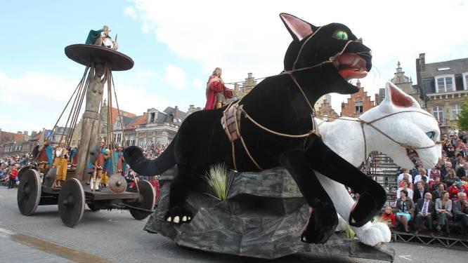 """Yper Museum brengt nieuwe tentoonstelling over katten: """"De poes als muze, vrouw, vriend en als reus in de Kattenstoet"""""""