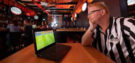 Zo kijkt Zwolle toch in de kroeg naar Oranje: 'We doen het voor Mark'