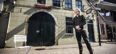 Oldenzaalse kroegbaas Hans Sombekke: 'Helft van de horeca kan nu wel eens omvallen'