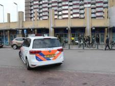 Steekpartij op Rhijnvis Feithlaan, politie ondervraagt jongeren