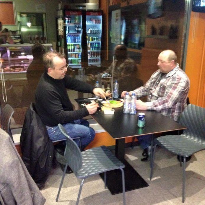Het geheim van Ronny Hilvin en Pol Geurts: veel water drinken.