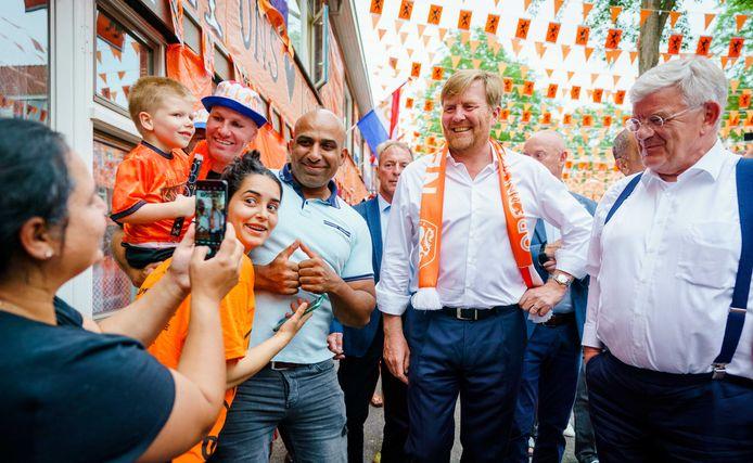 De Koning bezocht gisteravond de Marktstraat