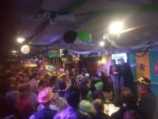 Van gouden medailles tot genderneutraliteit in carnavalesk Politiek Café in Boxtel