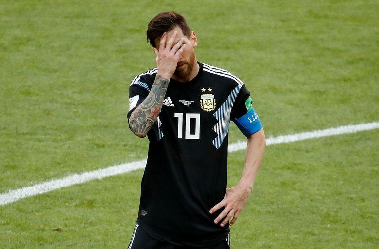 Messi weet met zijn frustratie geen blijf na de match tegen IJsland. Beeld Photo News