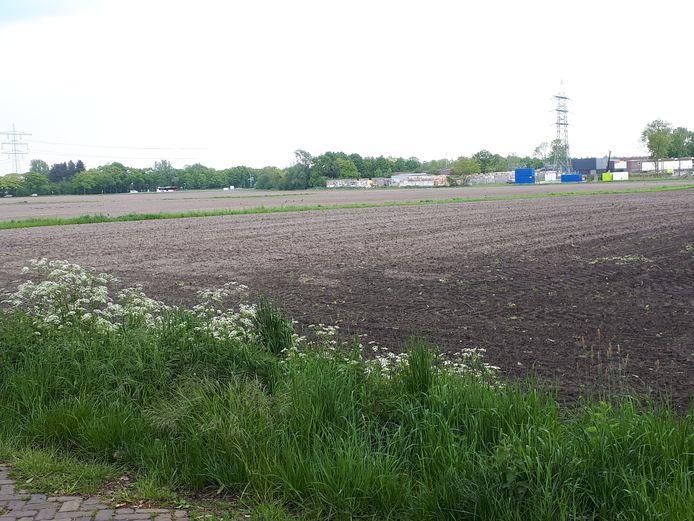 Het gebied, bezien vanaf de Middendonk in de richting van de N640, dat in beeld is voor de vestiging van nieuwe bedrijven.