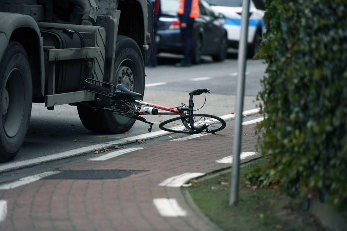 De verhakkelde fiets van het slachtoffer.