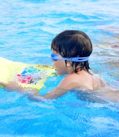 Zorgen om zwemvaardigheid van tienduizenden kinderen: 'We houden ons hart vast voor de zomervakantie'