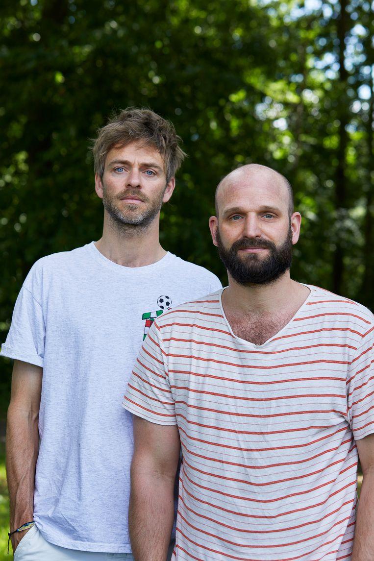 Alrik de Jong (links, 1982), eindredacteur, en Tim Vos (1982), zzp'er. Beeld Chris en Marjan