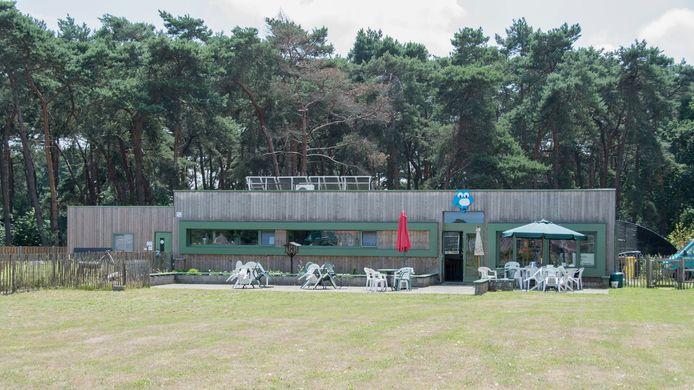 Op en rond het terrein van het Vogelopvancentrum in Herenthout wordt het 15-jarig jubileum gevierd met een fototentoonstelling.