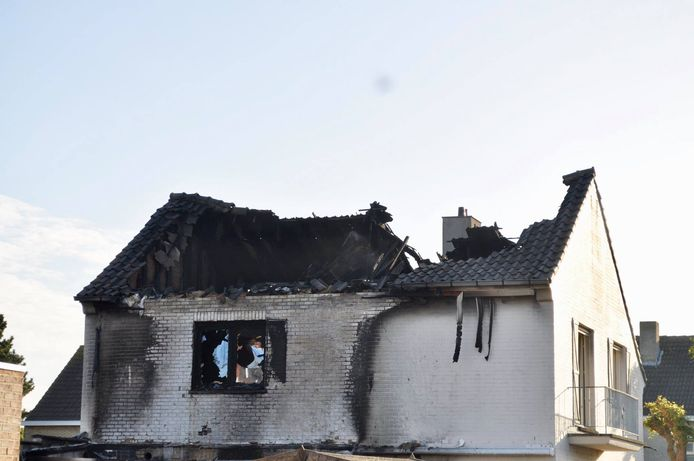 De schade aan de woning in de Van Dijcklaan is enorm