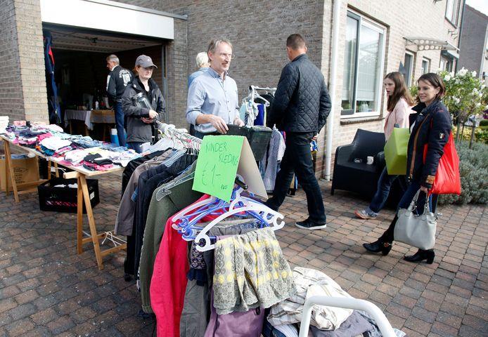 Liefhebbers kunnen zaterdag langs tal van adressen struinen naar bruikbare tweedehands spullen.