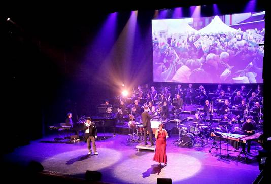 Grande Finale in De Kring. Foto Leo de Jaeger / Roosendaal 750 jaar