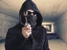 Jongen (16) bedreigd en beroofd onder Tholensebrug