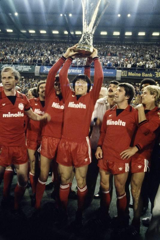 Cha Bum Kun wint met Eintracht Frankfurt de UEFFA Cup (1980).