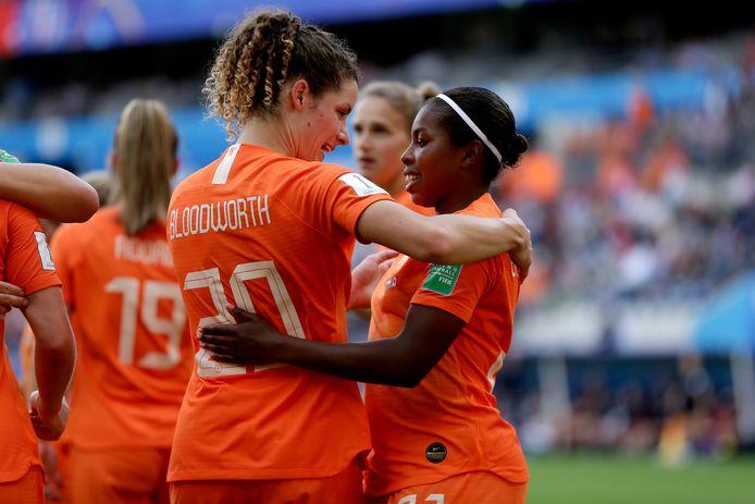 Dominique Bloodworth (l) en Lineth Beerensteyn tijdens het WK van vorig jaar.