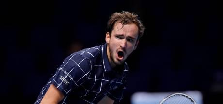 Daniil Medvedev renverse Rafael Nadal et file en finale du Masters
