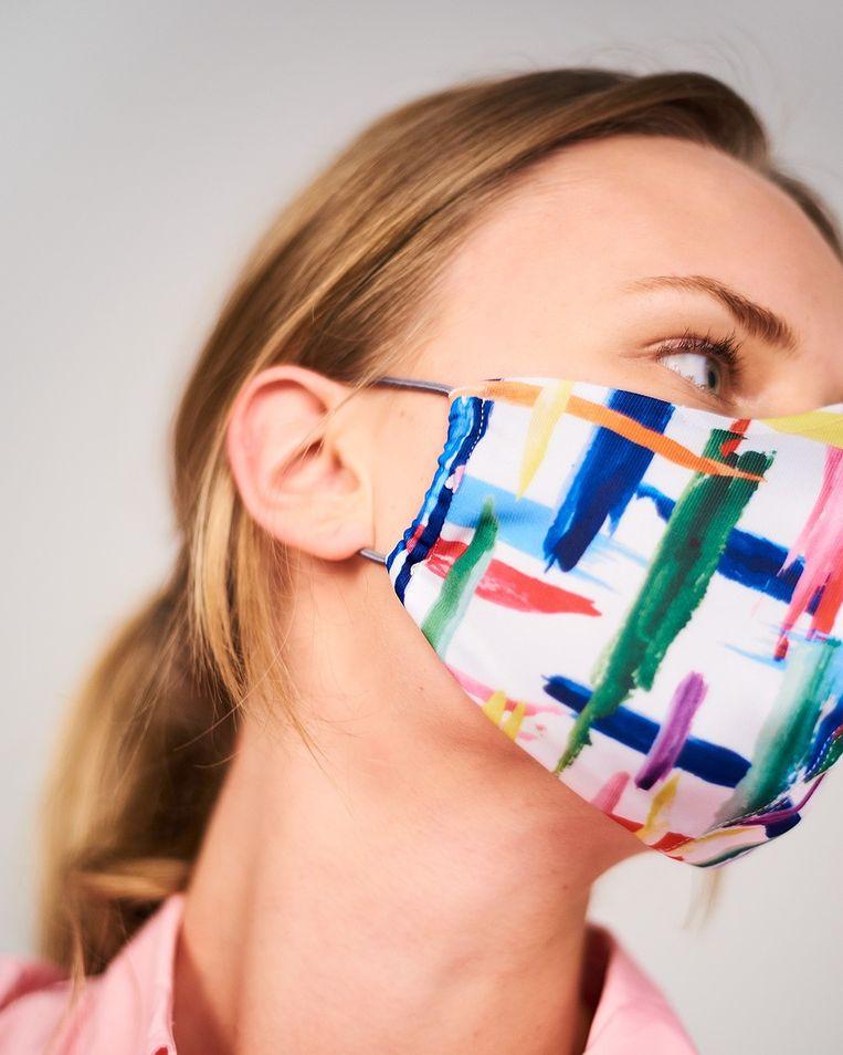 Essentiel Antwerp bereidt een collectie mondmaskers voor. Beeld Essentiel Antwerp