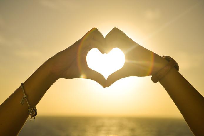 Lezers staan achter verliefde juf