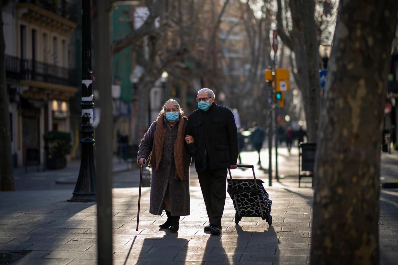 Spanje is een van de zwaarst getroffen landen sinds de start van de pandemie.  Beeld AP