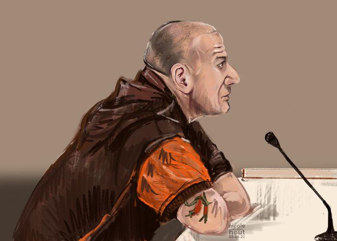 Ronald B.  uit Alphen in de rechtbank van Den Haag. Hij wordt verdacht van meerdere dreigbelletjes naar meldkamer van de Tweede Kamer en naar 112.