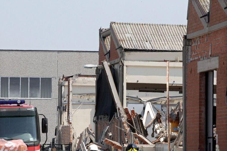 De verwoeste fabriek in San Felice. Beeld epa