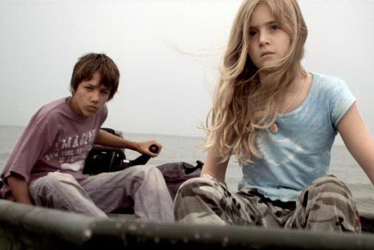 In de lowbudget kinderfilm Mijn vader is een detective! gaan kinderen op zoek naar een ontvoerde papegaai. Beeld