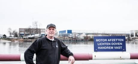 Nederrijn is na twee weken stilte weer domein van de pont: 'Was lang wachten'