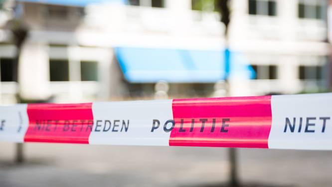 Grondstoffen voor drugs gevonden in polder tussen Rilland en Ossendrecht