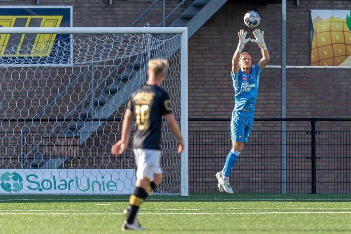 Mike Havekotte stond vrijdagavond voor het eerst onder de lat bij Helmond Sport en tekende direct een contract.