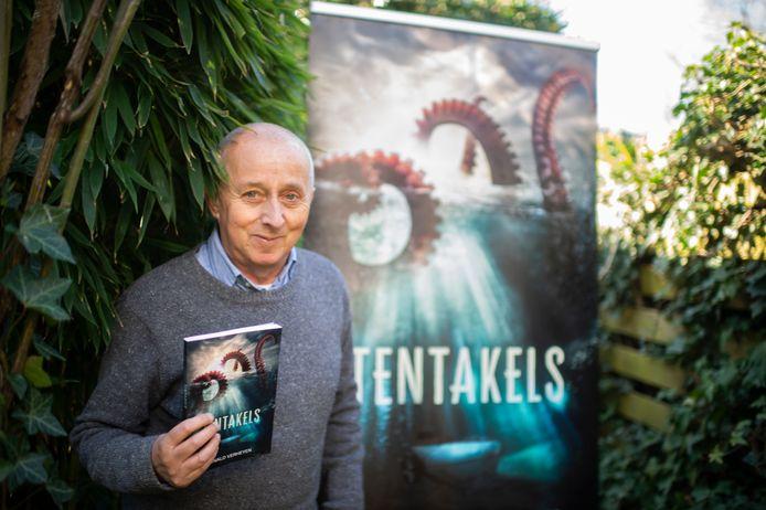 Ronald Verheyen duikt met zijn nieuwste thriller voor jongvolwassenen onder in de wereld van de (reuzen)inktvissen, tegen een achtergrond van klimaatopwarming.
