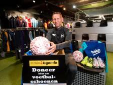 Apeldoornse loods puilt uit met voetbalshirtjes voor jochies in Oeganda: 'Zodra het kan, gaan we weer!'