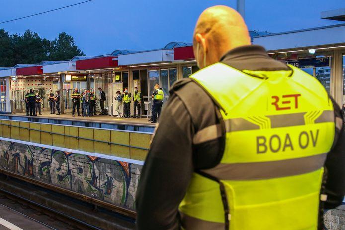 De controle was voornamelijk gericht op het naleven van de coronamaatregelen in het openbaar vervoer.