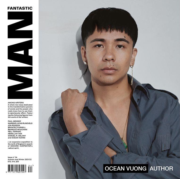 De cover van het nieuwste, 34ste, nummer van Fantastic Man, met als thema Onder schrijvers. Beeld Fantastic Man