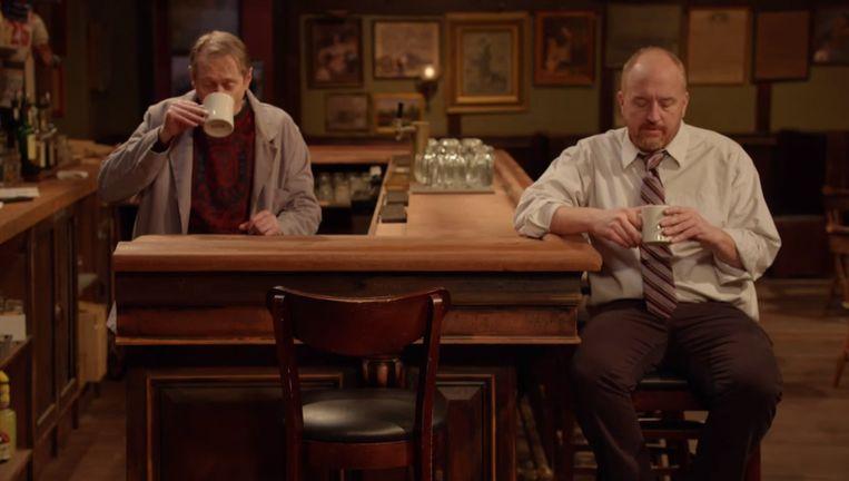 De makers spelen zelf de hoofdrollen in hun eigen reeks, een aflevering kost 4,5 euro op de site van Louis C.K. (rechts). Beeld rv