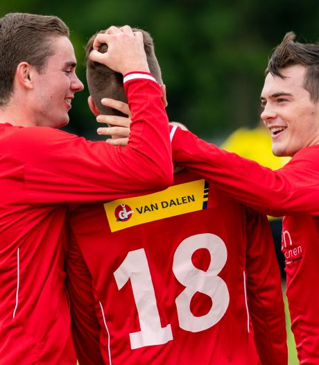 Jonge Kracht wint wéér met 10-0, Lorenzo Davids wint 'NEC-clash' van Leiwakabessy