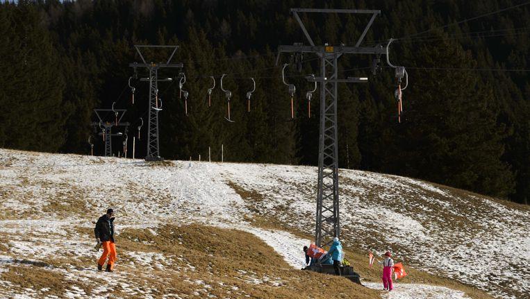 De skipistes in de Alpen zien er niet al te best uit. Beeld AFP