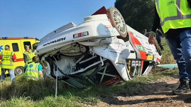Zware crash in ELE-rally; thuisrijder Piet van Hoof slaat over de kop in Wintelre