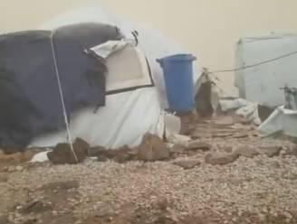 Schrijnende beelden van vluchtelingenkamp op Lesbos: wankele tentjes moeten storm trotseren