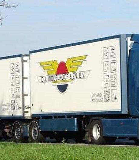 Opheffen vrachtwagenparkeerplekken Roelofarendsveen zorgt voor grote problemen