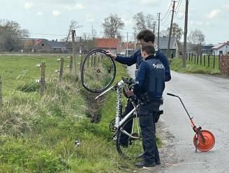 Wielertoeriste (57) gewond bij frontale botsing met landbouwtractor